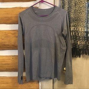 Lululemon size 10 swiftly tech shirt